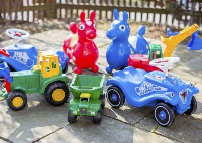 Schone-Spielsachen-fur--draussen