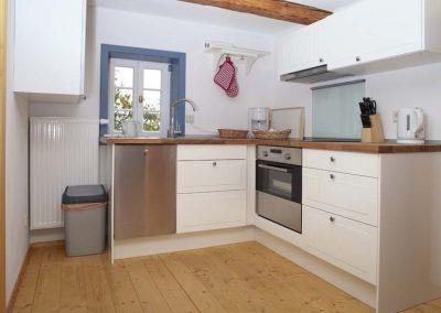 Sehr-gut-ausgestattete-Kueche-Wohnung-2